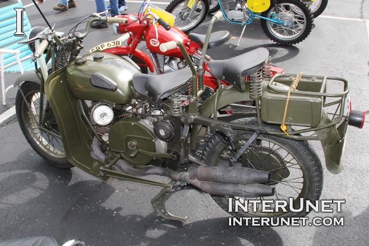 1947-Moto-Guzzi-Alce-side