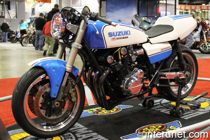 1978-Suzuki-GS1000S-front-left-side-view