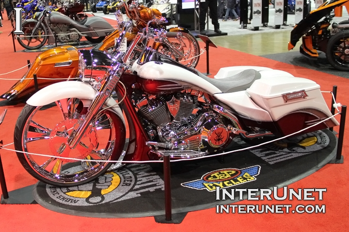 Harley-Davidson-Road-King-custom