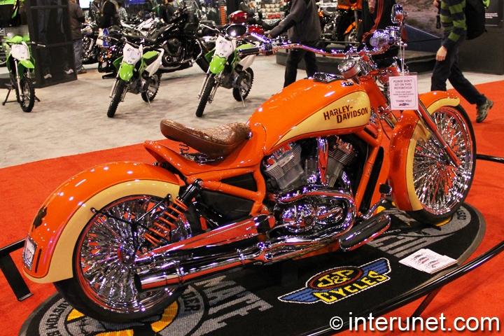 2005-Harley-Davidson-Screamin'-Eagle-rear-right-side