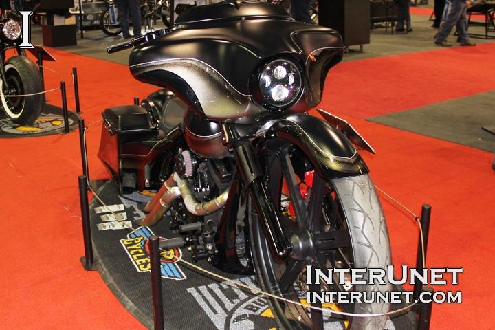 2007-Harley-Davidson-Street-Glide-custom-built