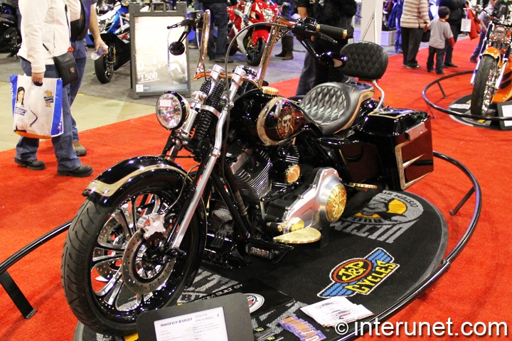 2009-Harley-Davidson-Road-King-Modified