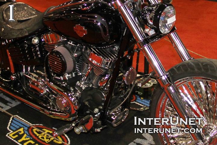 2010-Harley-Davidson-Rocker-modified