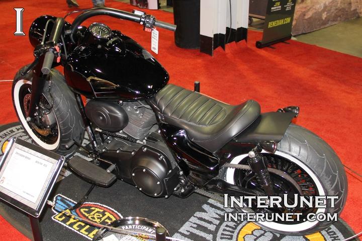 2012-Harley-Davidson-Road-King-modified