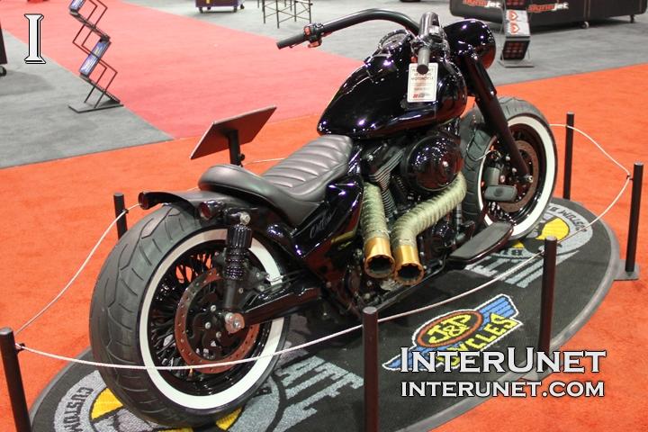 2012-Harley-Davidson-Road-King-custom