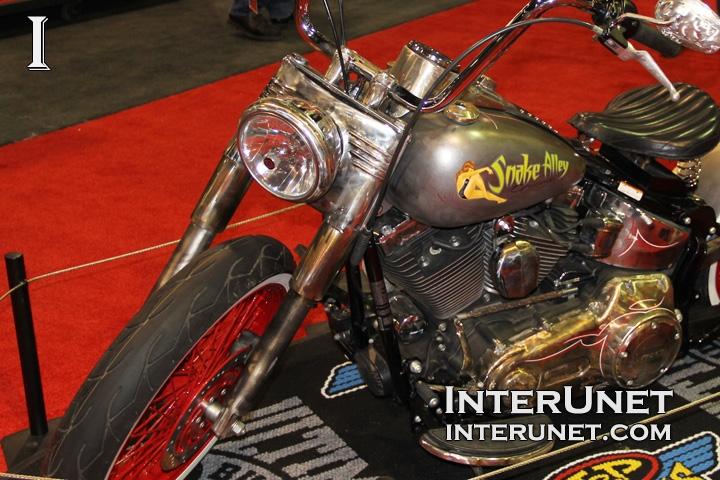 Harley-Davidson-Softail-Deluxe-custom