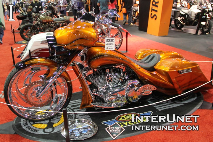 custom-2013-Harley-Davidson-FLHX