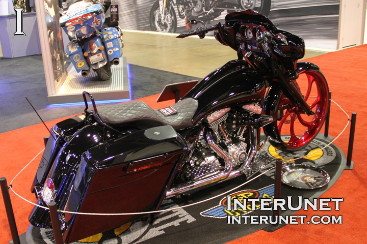2013-Harley-Davidson-Street-Glide-custom