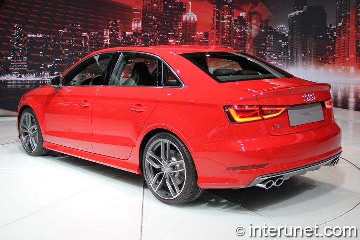 2015-Audi-S3-rear-side-view