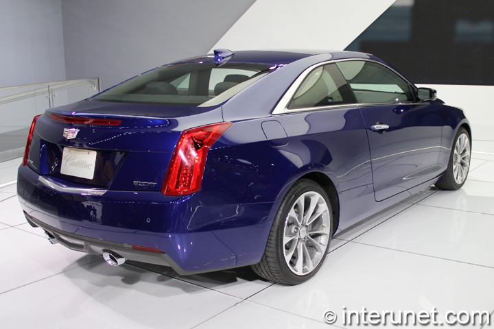 2015-Cadillac-ATS-Coupe-rear-and-side-view
