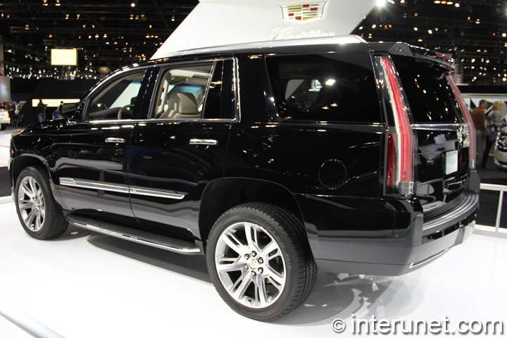 2015-Cadillac-Escalade-rear-side-view