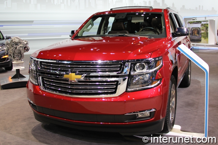 2015-Chevrolet-Tahoe-front-view