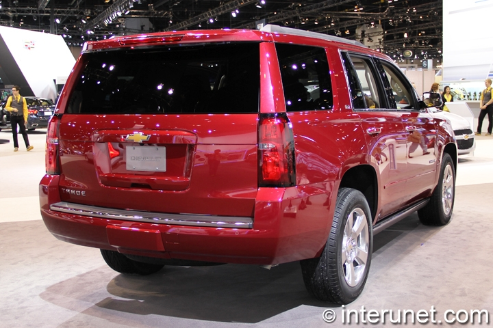 2015-Chevrolet-Tahoe-rear-view