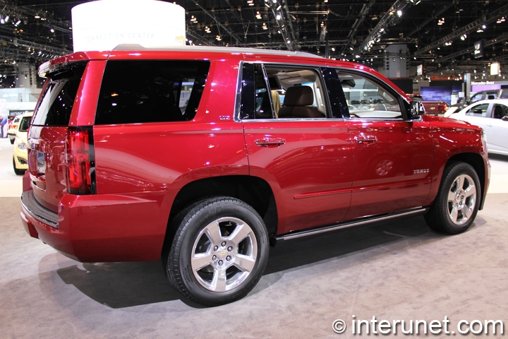 2015-Chevrolet-Tahoe-side-view