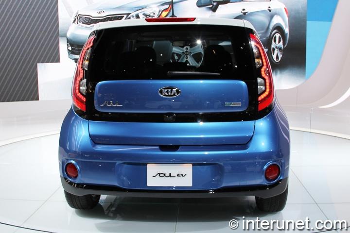 2015-Kia-Soul-EV-rear-view