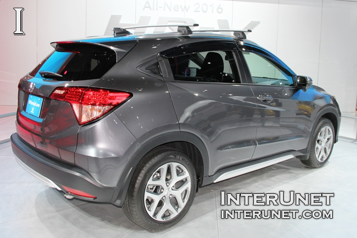 2016 Honda HR-V rear side view
