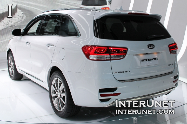 2016 Kia Sorento rear view