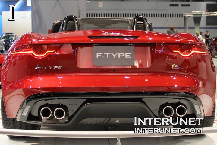 2016-Jaguar-F-Type-Convertible-rear