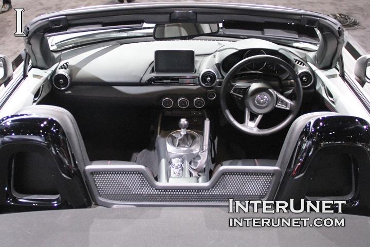 2016-Mazda-MX-5-Miata-interior