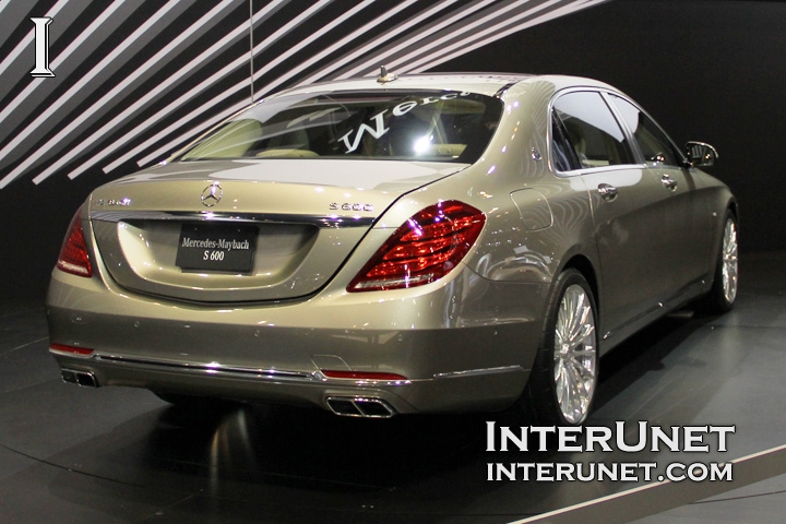 2016-Mercedes-Maybach-S600-rear