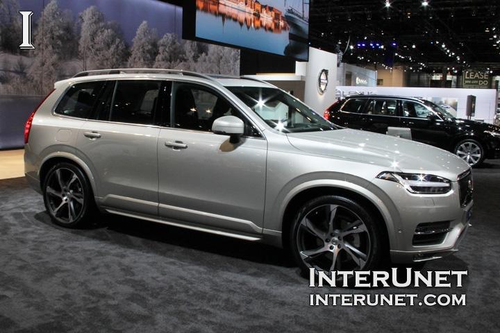 2016-Volvo-XC90-passenger-side