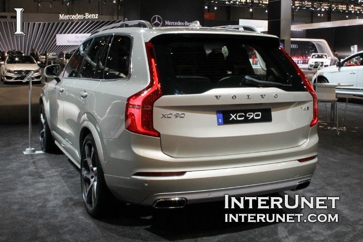 2016-Volvo-XC90-rear-side