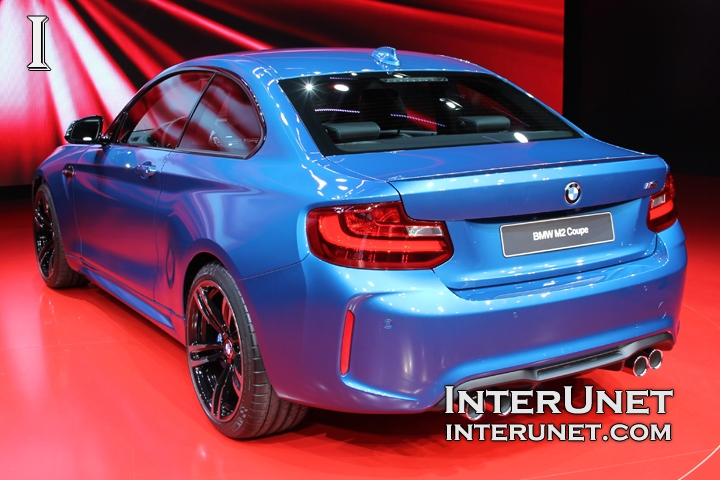 2017-BMW-M2-Coupe-rear-side