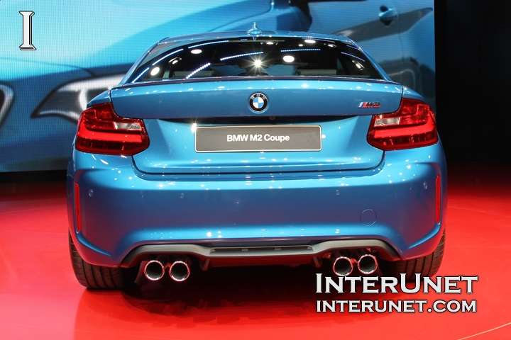 2017-BMW-M2-Coupe-rear
