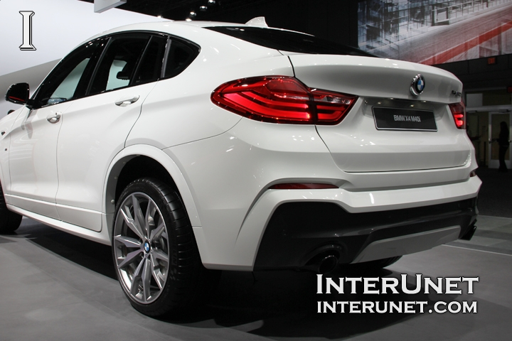 2017-BMW-X4-M40i-rear-side