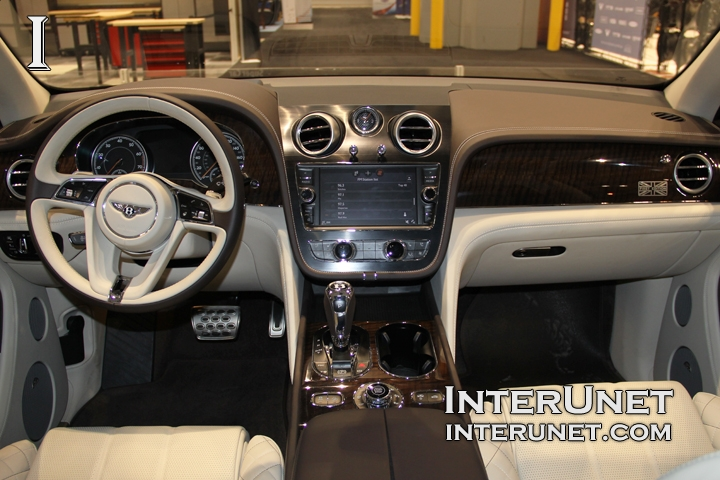 2017-Bentley-Bentayga-interior