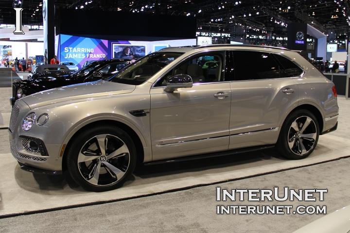 2017-Bentley-Bentayga-side
