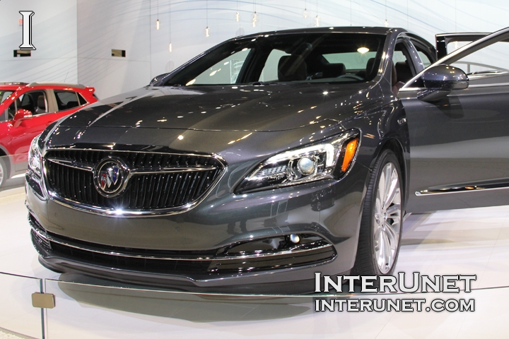 2017-Buick-LaCrosse-front
