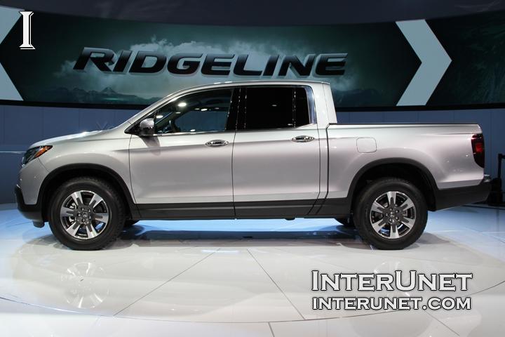 2017-Honda-Ridgeline-side