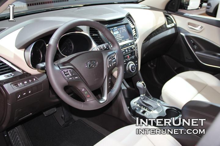 2017-Hyundai-Santa-Fe-Sport-interior