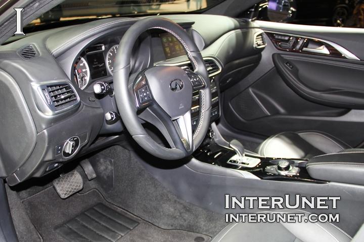 2017-Infiniti-QX30-inside