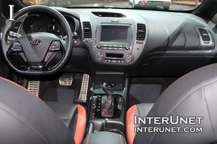 2017-Kia-Forte5-SX-T-GDI-interior