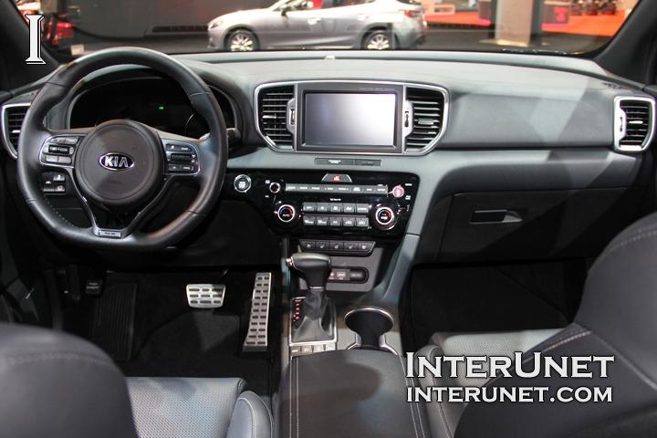 2017-Kia-Sportage-interior