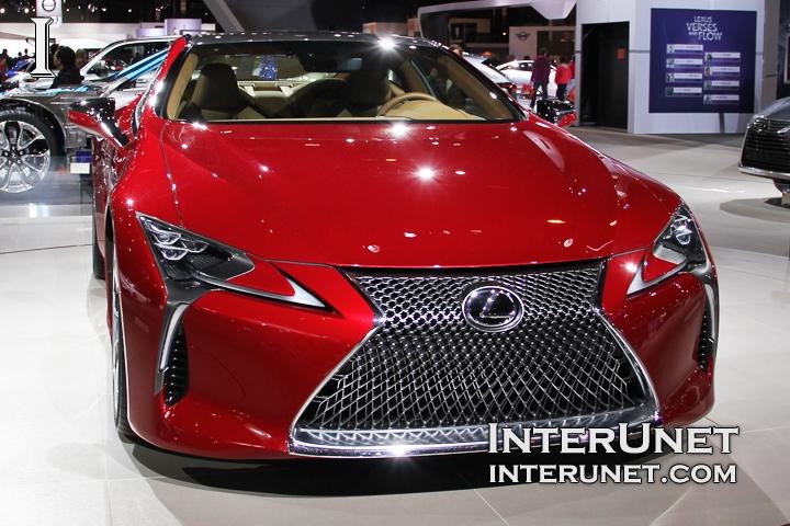 2017-Lexus-LC-500-front
