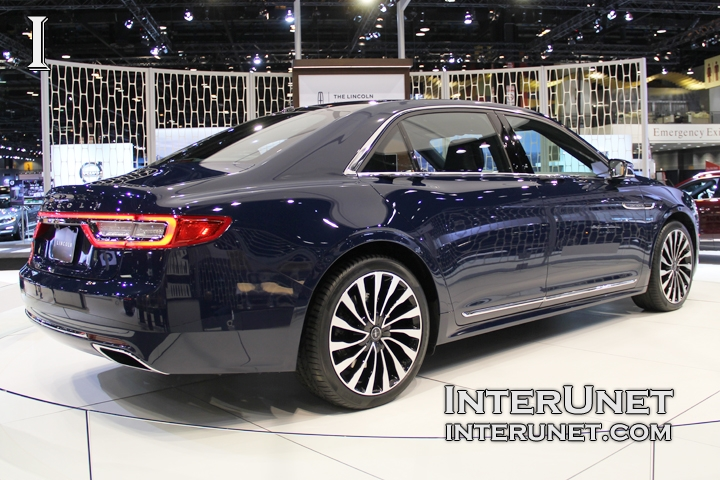 2017-Lincoln-Continental-rear-side