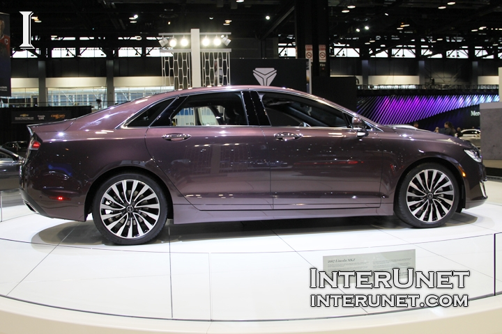 2017-Lincoln-MKZ-side