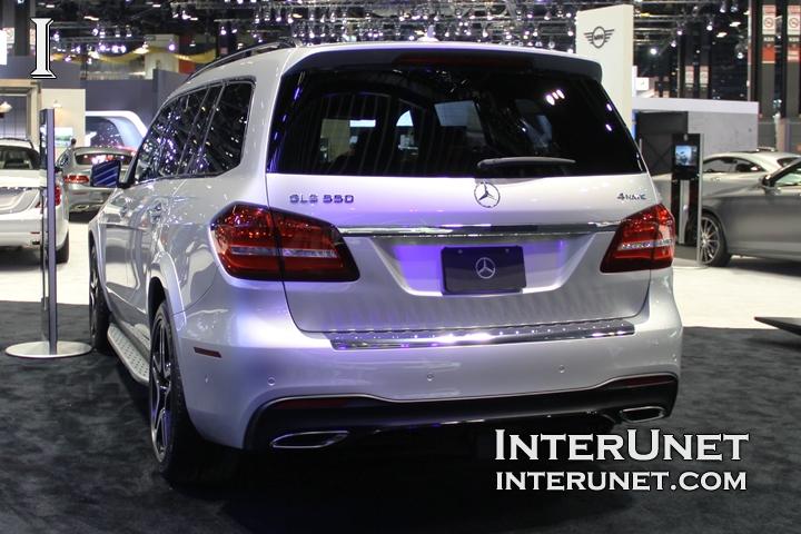 2017-Mercedes-Benz-GLS550-4Matic-rear