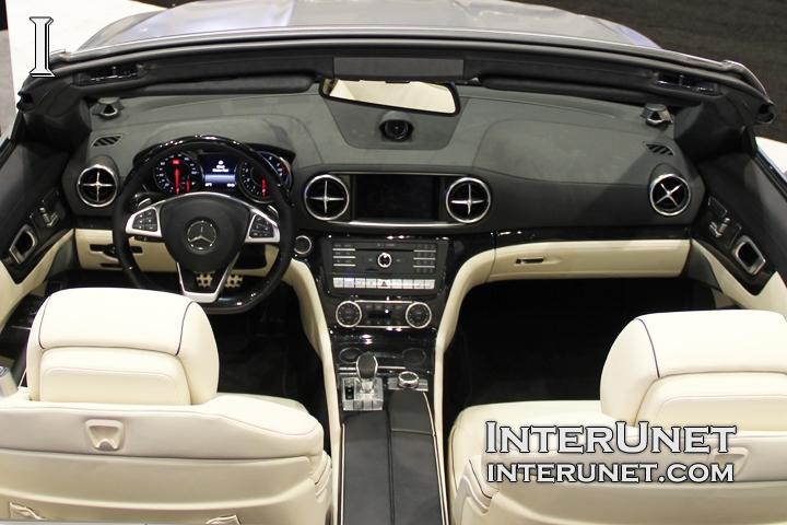 2017-Mercedes-Benz-SL550-Roadster-inside