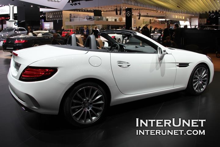 2017-Mercedes-Benz-SLC-rear-side