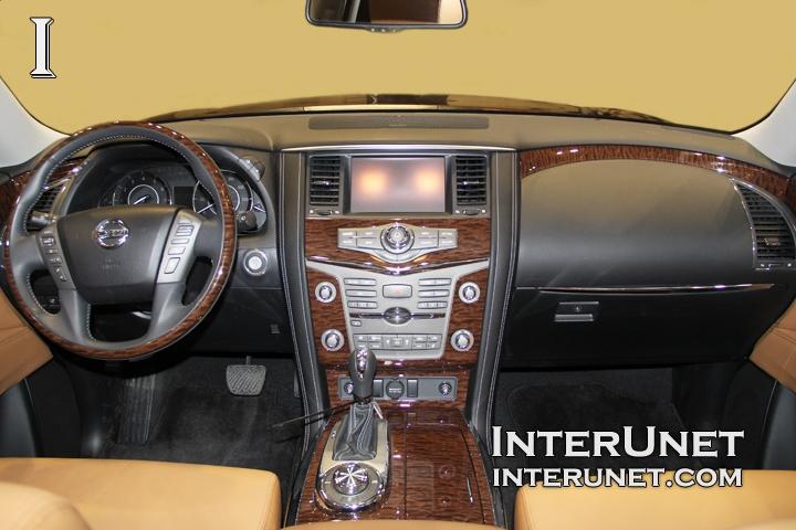 2017-Nissan-Armada-interior