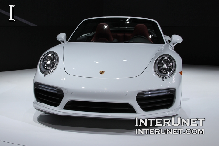 2017-Porsche-911-Turbo-S-front