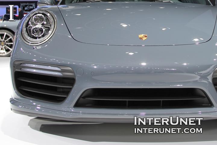 2017-Porsche-911-Turbo-front