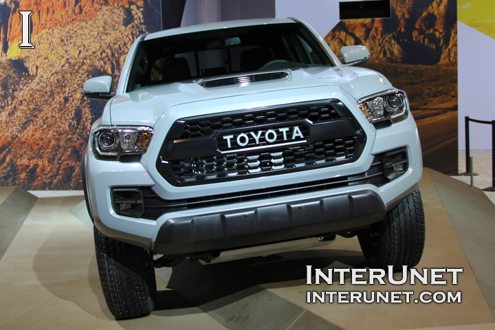 2017-Toyota-Tacoma-TRD-Pro-front