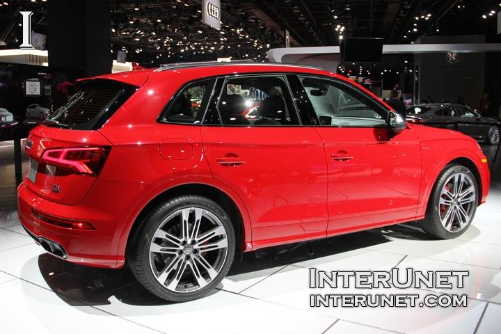 2018-Audi-SQ5-doors