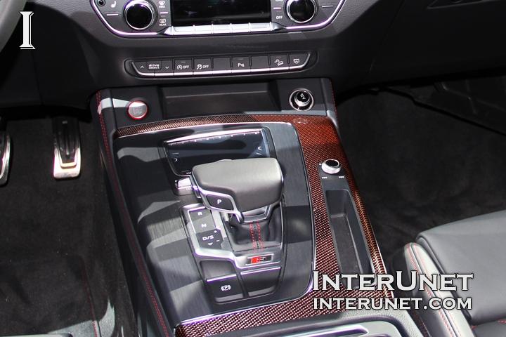 2018-Audi-SQ5-TFSI-Quattro-gearshift