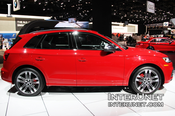 2018-Audi-SQ5-TFSI-Quattro-side